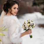 mariage hiver neige robe fleurs