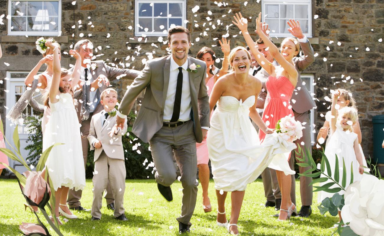 mariage petit comité invités mariés